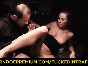 drilled IN TRAFFIC curious dark-haired sex with driver