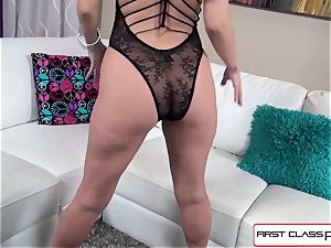 Aaliyah enjoy bj's and smash a phat trunk in point of view fashion