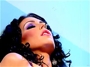 Jessica Jaymes loves taunting Madison Scott's moist coochie