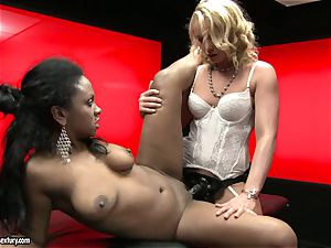 rough Kathia Nobili pushes her wire on sausage deep down her colleague throat
