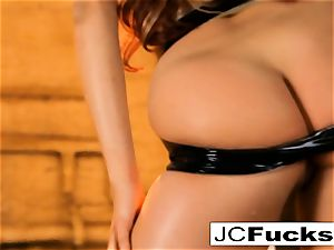 Grungy shower gets jaw-dropping visitor named Jayden Cole