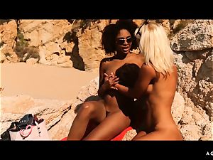 A chick KNOWS - Outdoor sapphic hookup with magnificent babes