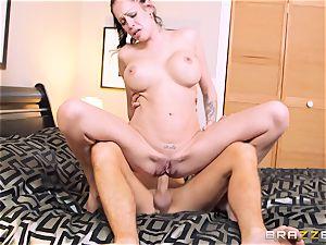 Bad wife Kelly Summer cheats with a stud hotel customer