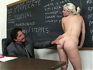 Classroom cutie Britney Amber gets a lesson in providing head