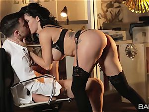 molten office sweetie Peta Jensen has bang-out with her employees after work