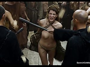 Lena Headey bares her bare bod in Game of Thrones