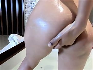 chinese babe in bath