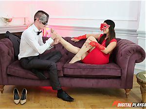 masked domina Eva Lovia covet man meat