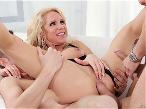 dp craving blondie mummy