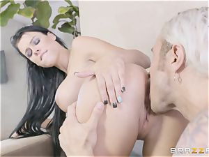 red-hot sisters Peta Jensen and Megan Rain share their stepbrother