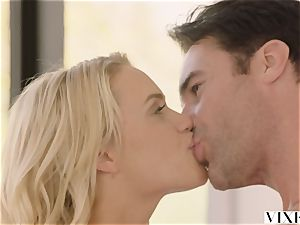 VIXEN Mia Malkova loves hook-up
