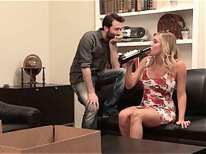 Samantha Saint smashes her sympathetic neighbor