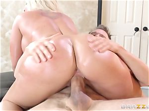 Leya Falcon cheats with her meaty dicked masseur