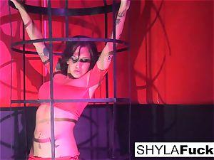 Shyla's super-fucking-hot threesome