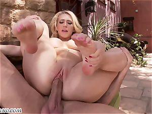 obscene buxom blondie Kagney Linn Karter gets drilled outdoor
