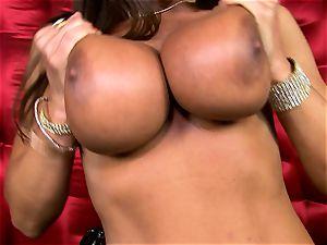 fantastic Lisa Ann exposes her fat succulent boobs